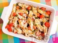 Печени патладжани с пилешко месо от гърди и чери домати на фурна